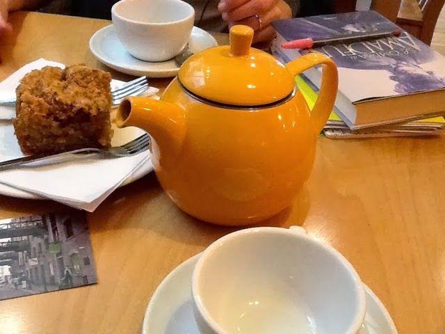 Reading Break at the Teapod Cafè, London