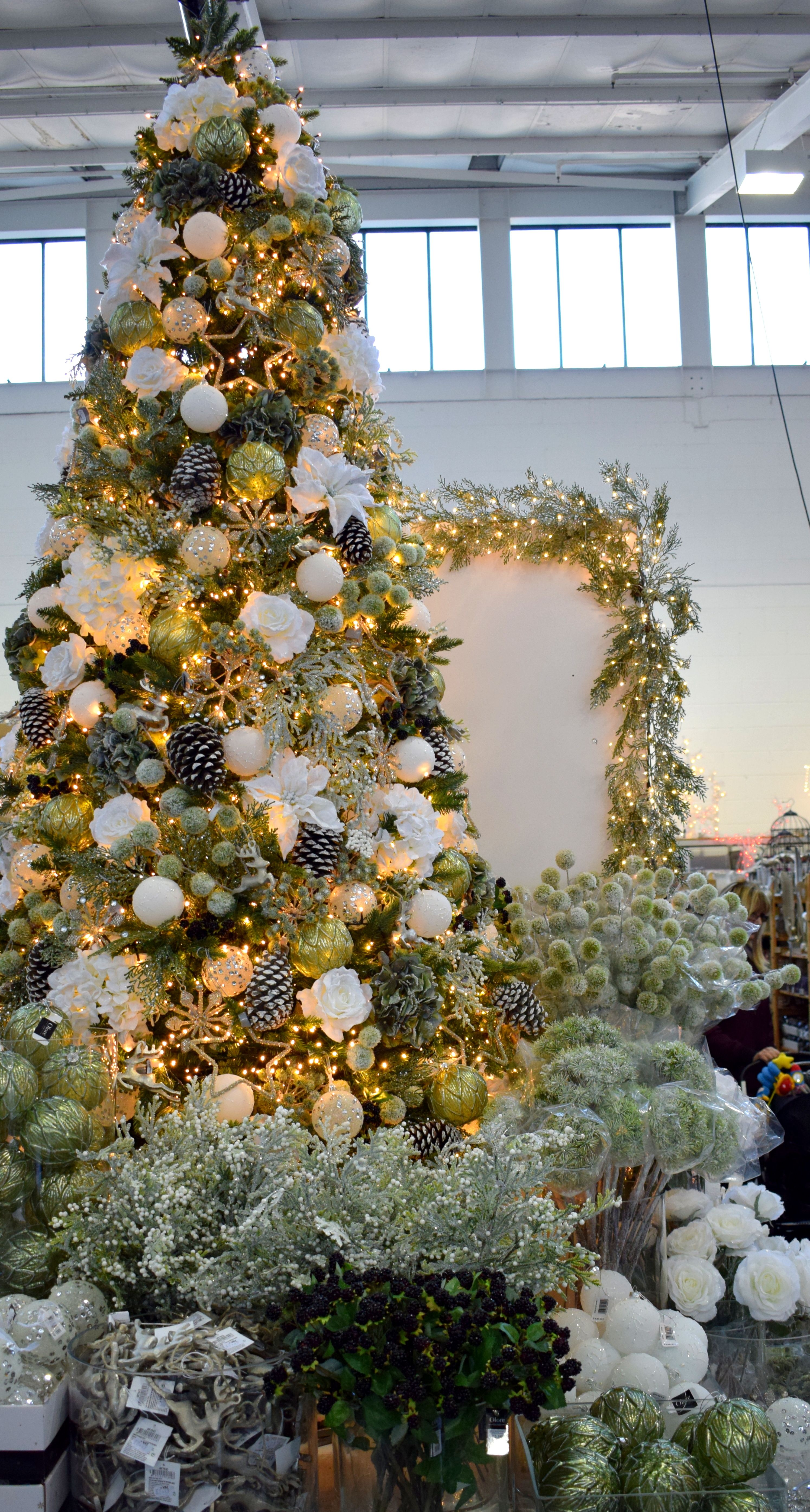 25++ Green frosted christmas tree trends