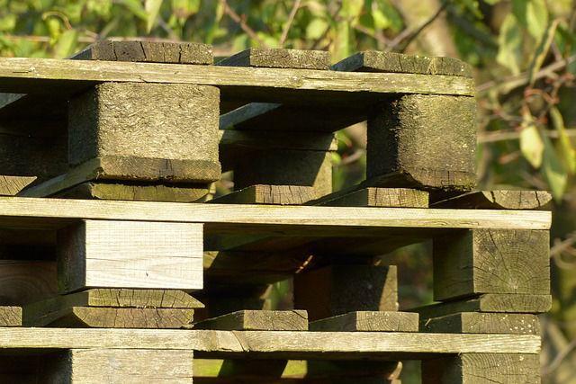 Construire une jardinière pas chère en bois de palette de récupération !