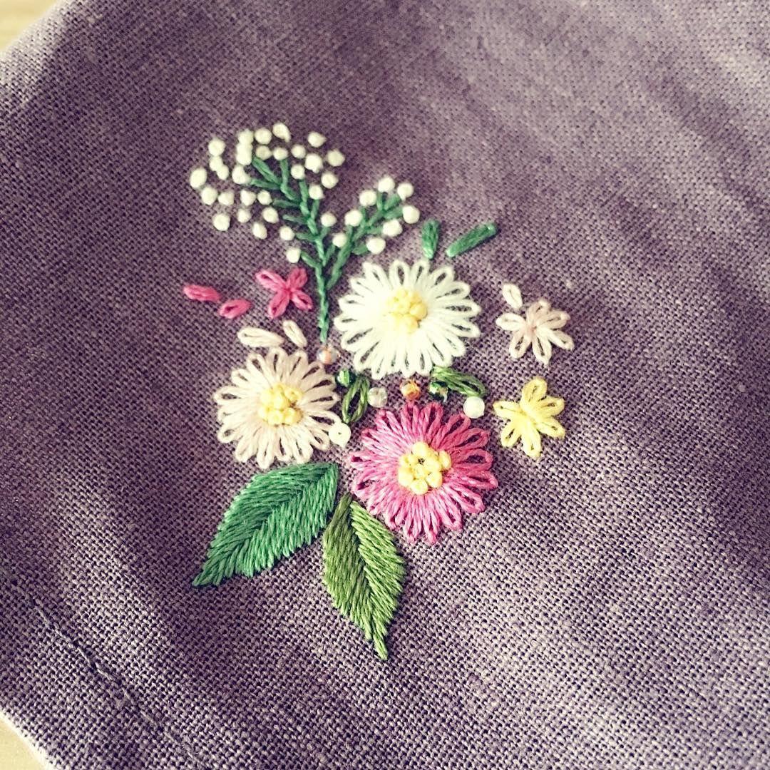 Bonito canastas ramilletes etc pinterest embroidery