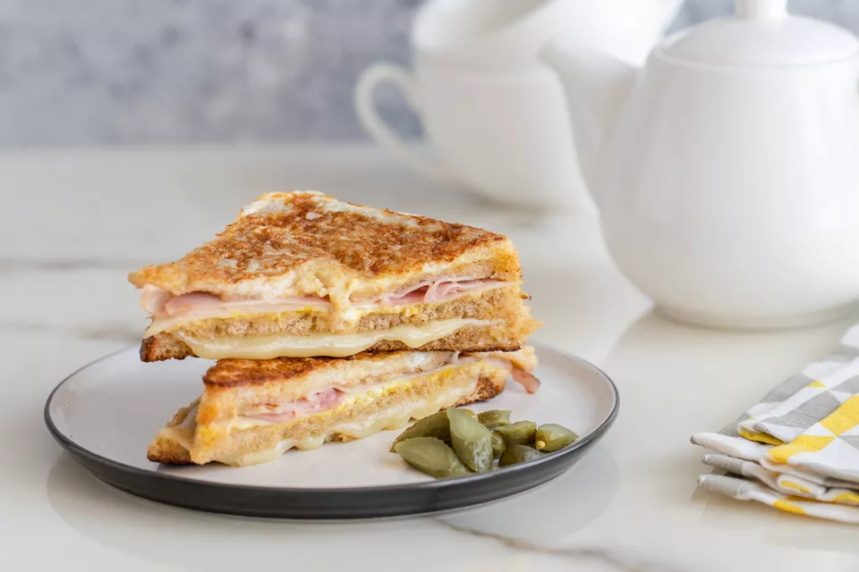 Make This Classic Grilled Monte Cristo Sandwich Recipe In 2021 Monte Cristo Sandwich Sandwiches Sandwich Fillings