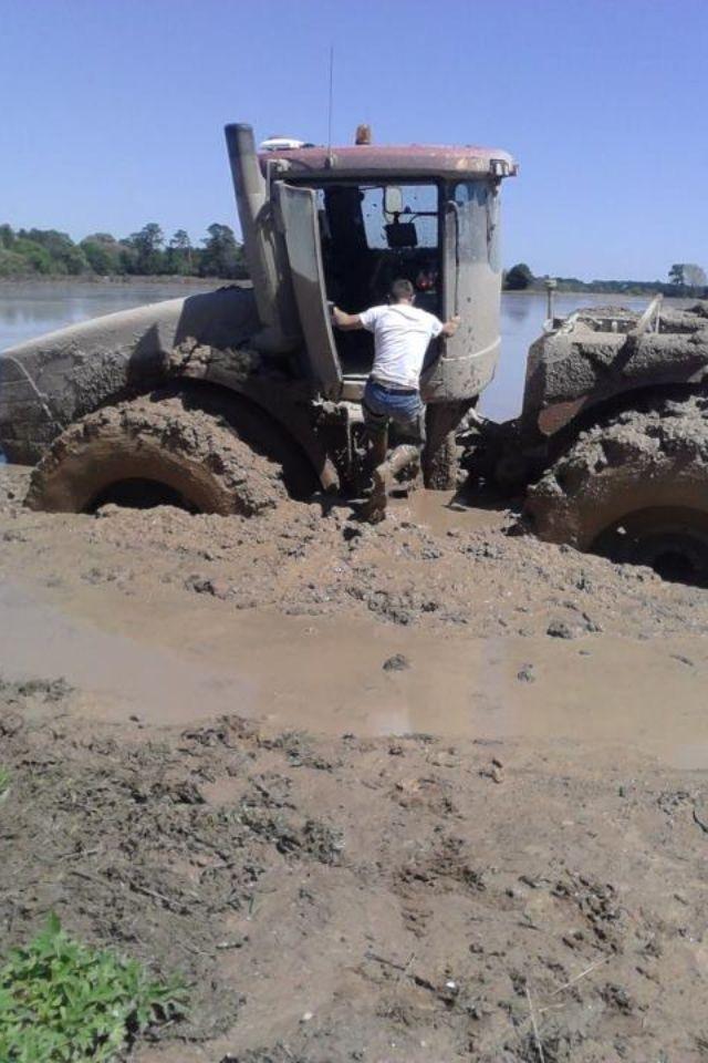 Case Ih Fwd In Deep Old Tractors Big Tractors Tractors