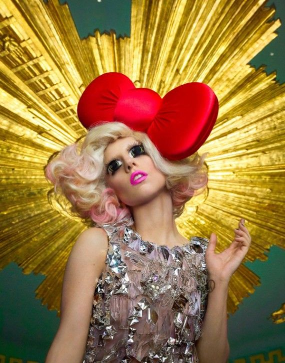 GaGa , Hello Kitty Look