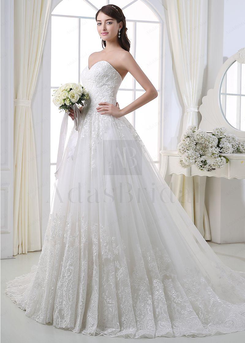 Elegant tulle sweetheart neckline ball gown wedding dress