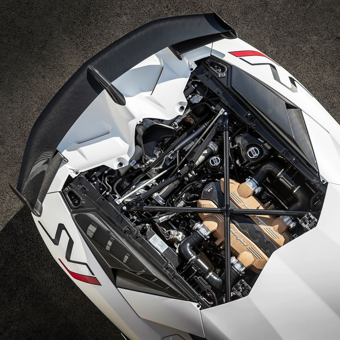 The 770 Cv Naturally Aspirated V12 Engine Of Lamborghini Aventador Svj Which Emoji Would You Use To Lamborghini Aventador Lamborghini Cars Lamborghini Engine