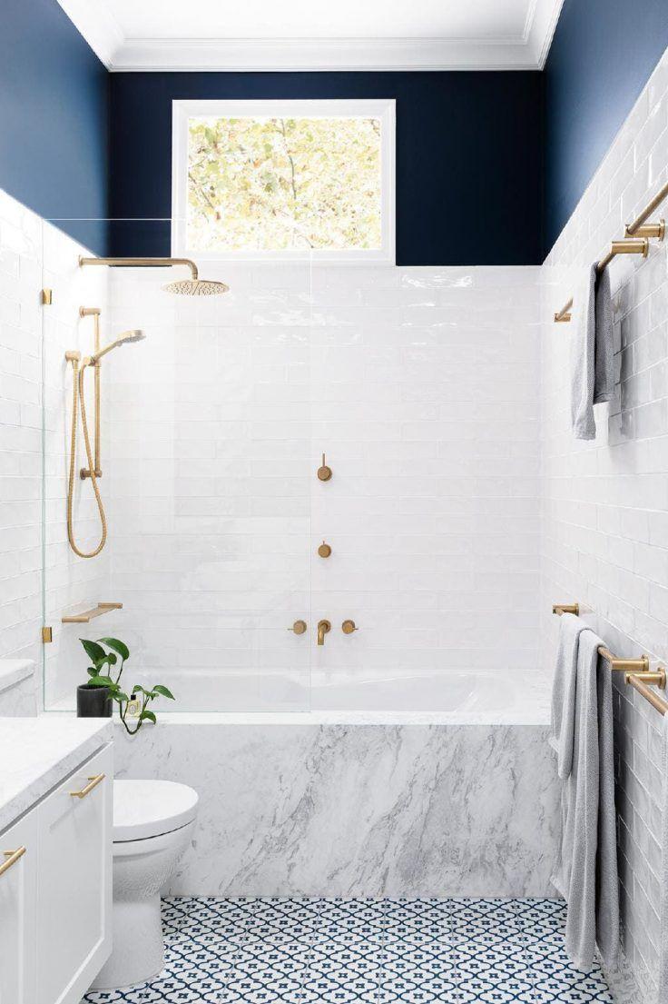 18 idées pour adopter la couleur dans la salle de bains