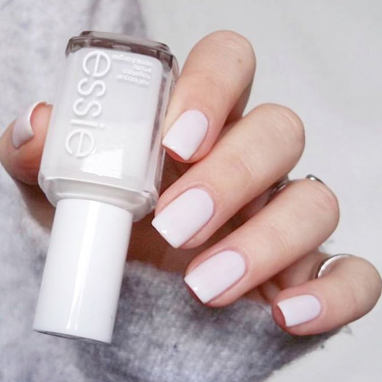 Pin by Fani Pingoto on Vernis à ongles | Pinterest | White nails ...