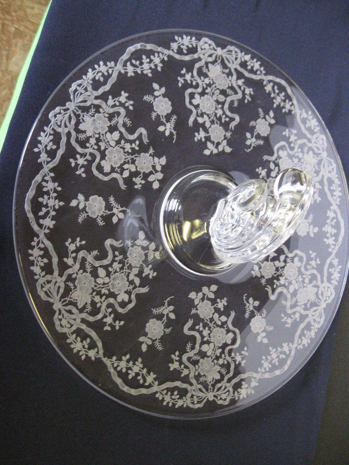 Chic and Elegant Gift Etched Glassware Vintage Round Glass Serving Platter Great Condition