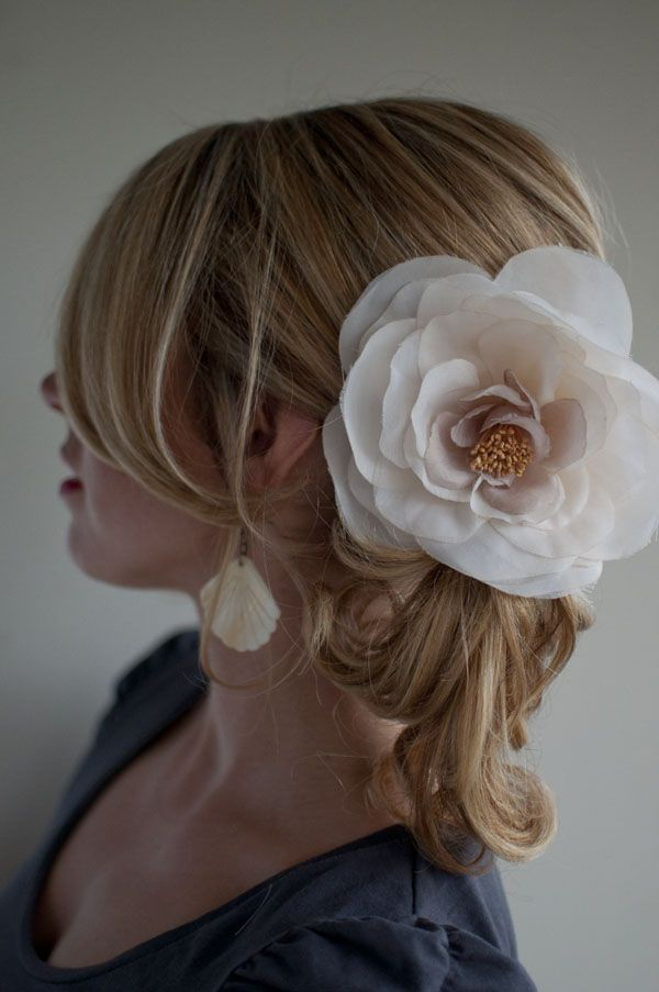 Five easy wedding hairstyles you can do yourself hair pinterest five easy wedding hairstyles you can do yourself hair romance solutioingenieria Image collections