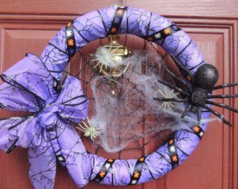 Halloween Glow in the Dark Spider Wreath