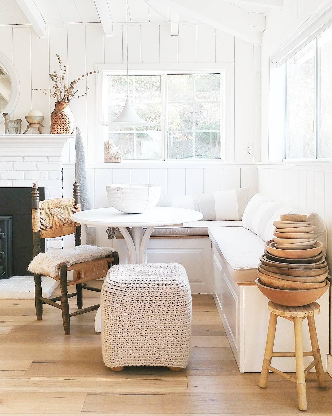 All Neutral Window Seat Breakfast Nook Banquette Seating In Kitchen Home My Scandinavian Home