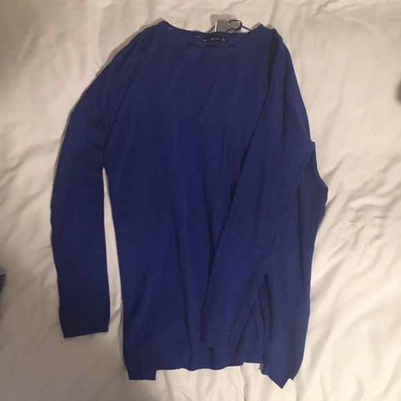 Long-Sleeved ZARA Shirt Royal blue long-sleeved shirt, perfect for over leggings or jeans, comfortable & never worn (tags are still attached) Zara Tops Tees - Long Sleeve