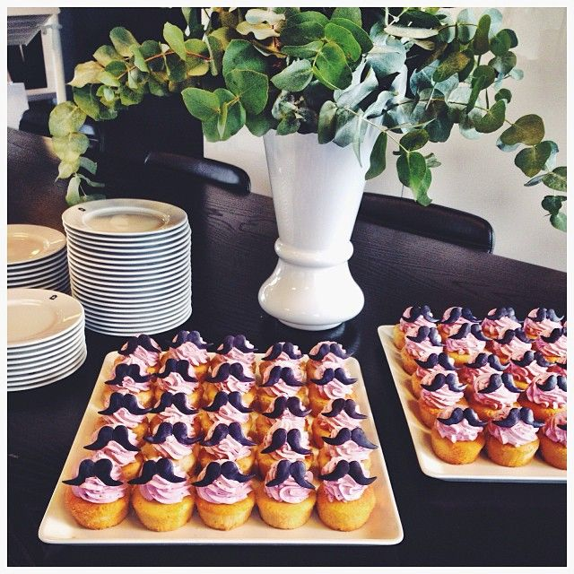 .@veromodaglobal | We're launching the VERO MODA Movember campaign with delicious Movember cupcakes. See how you can help VERO MODA support Movember at http://mo.veromoda.com  #veromodamo #veromoda
