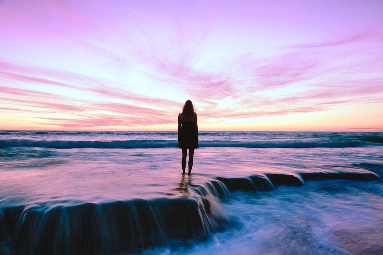 Toujours en vie :Je pense souvent à toi. Et parfois, je me sens bête, je base mes décisions et mes actions en fonction de quelqu'un à qui je ne peux plus
