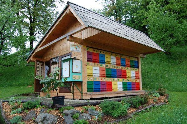 visit to a beekeeper near bled bienen pinterest bienen slowenien und inspirierend. Black Bedroom Furniture Sets. Home Design Ideas