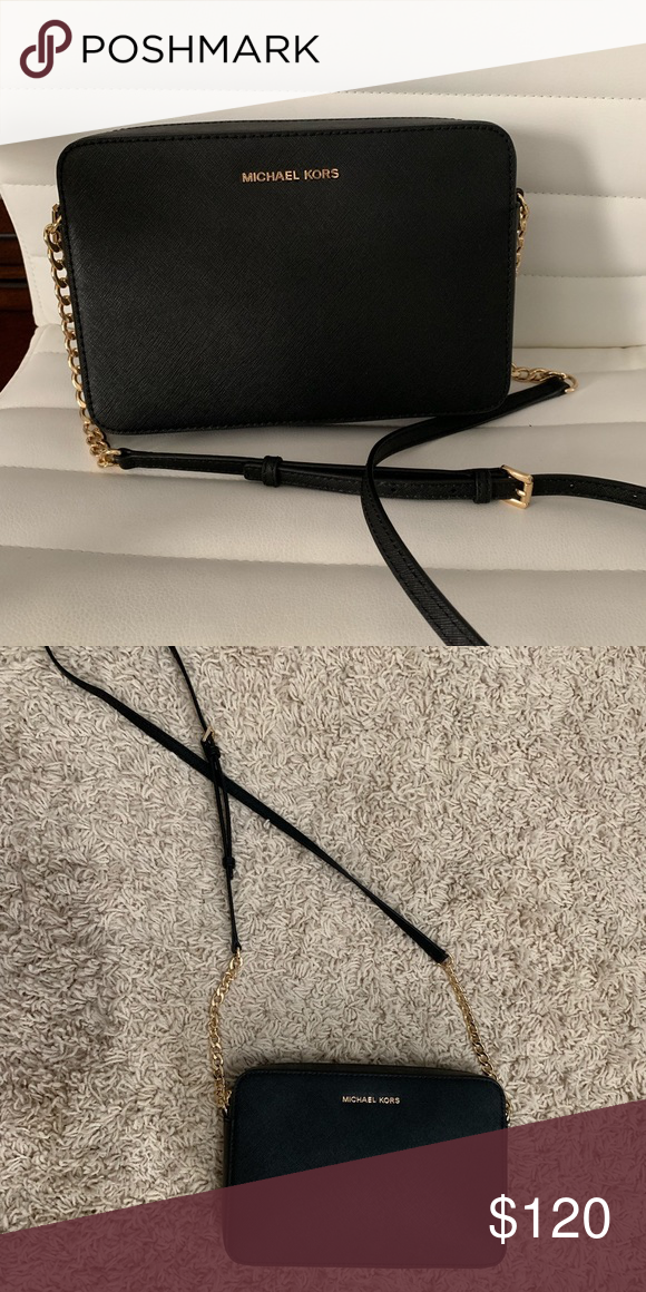 74f278048ef6c3 Michael Kors purse Michael Kors Jet Set East West Crossgrain Leather  Crossbody Black with gold chain and emblem Michael Kors Bags Crossbody Bags