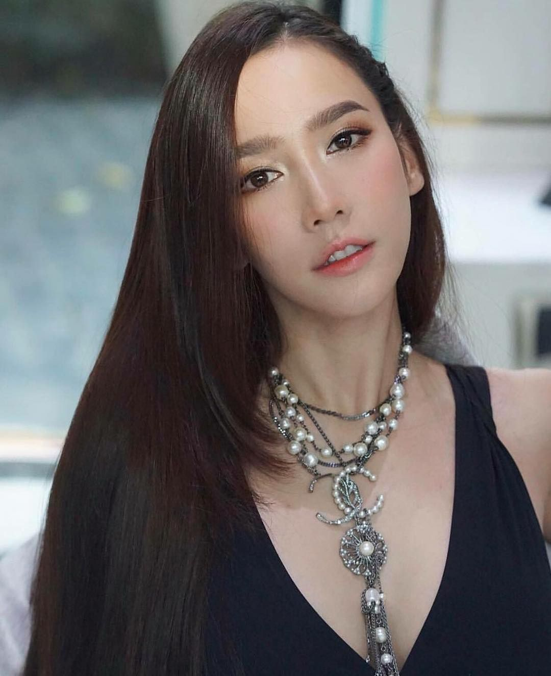 อั้ม พัชราภา ในวัย 40 ปี 😍 ฟาดหน้าโดย Nongchat แม่ก็คือแม่ ถ้าบอกว่า 25 ก็เชื่อ จักรวาลอยู่ที่แม่ค่ะ ใครล่ะจะสู้แม่ได้ 🙏 via teamfitan… | นักแสดงหญิง, นางฟ้า, ไทย