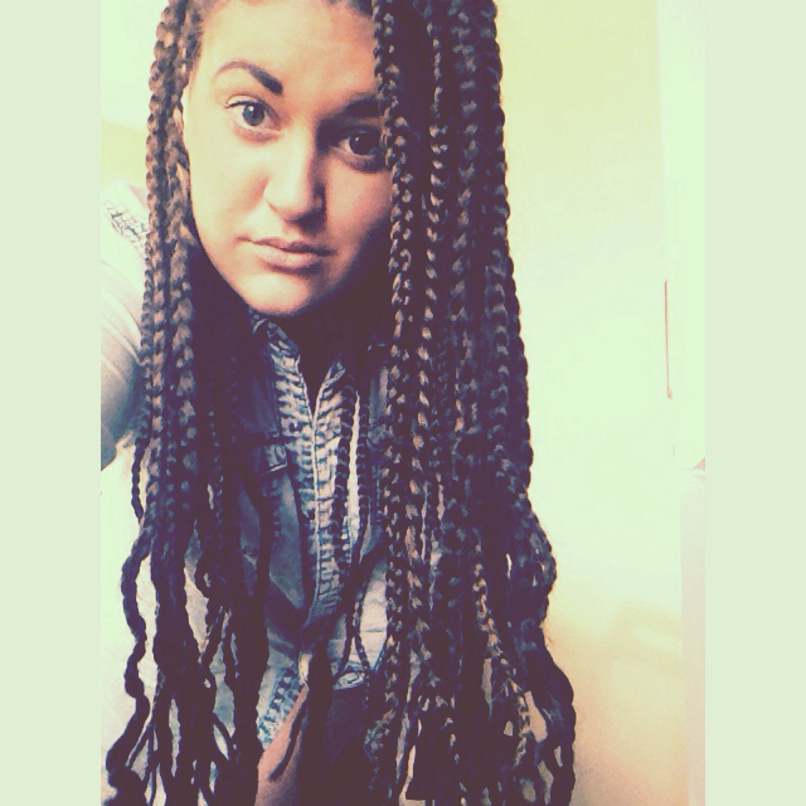 White girl with box braids | Hair/nails/makeup | Pinterest ...