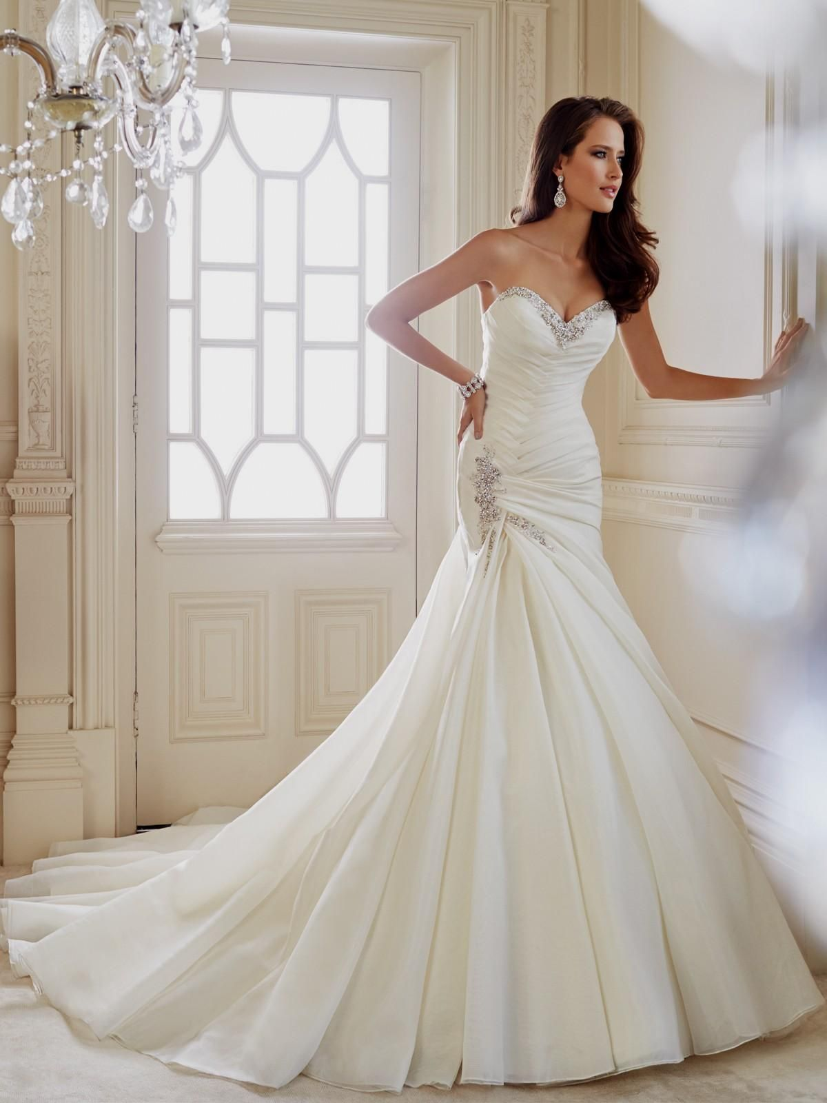 Trumpet Wedding Gown with Chapel Train | dresss in 2018 | Pinterest ...