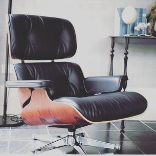 New In Beautiful Iconic Chair Lounge Xl By Eamesoffice Vitrafurniture Go Shop On Our Lifestyle Selection On Vestiairecollective Com It Mid Century Modern Design Eames Lounge