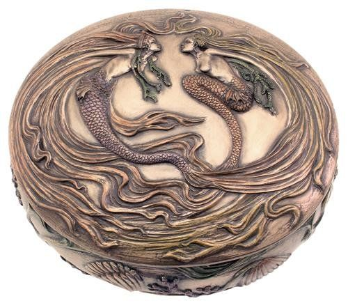 This exquisitely designed mermaid trinket box is the perfect gift for any lady with elegant style.