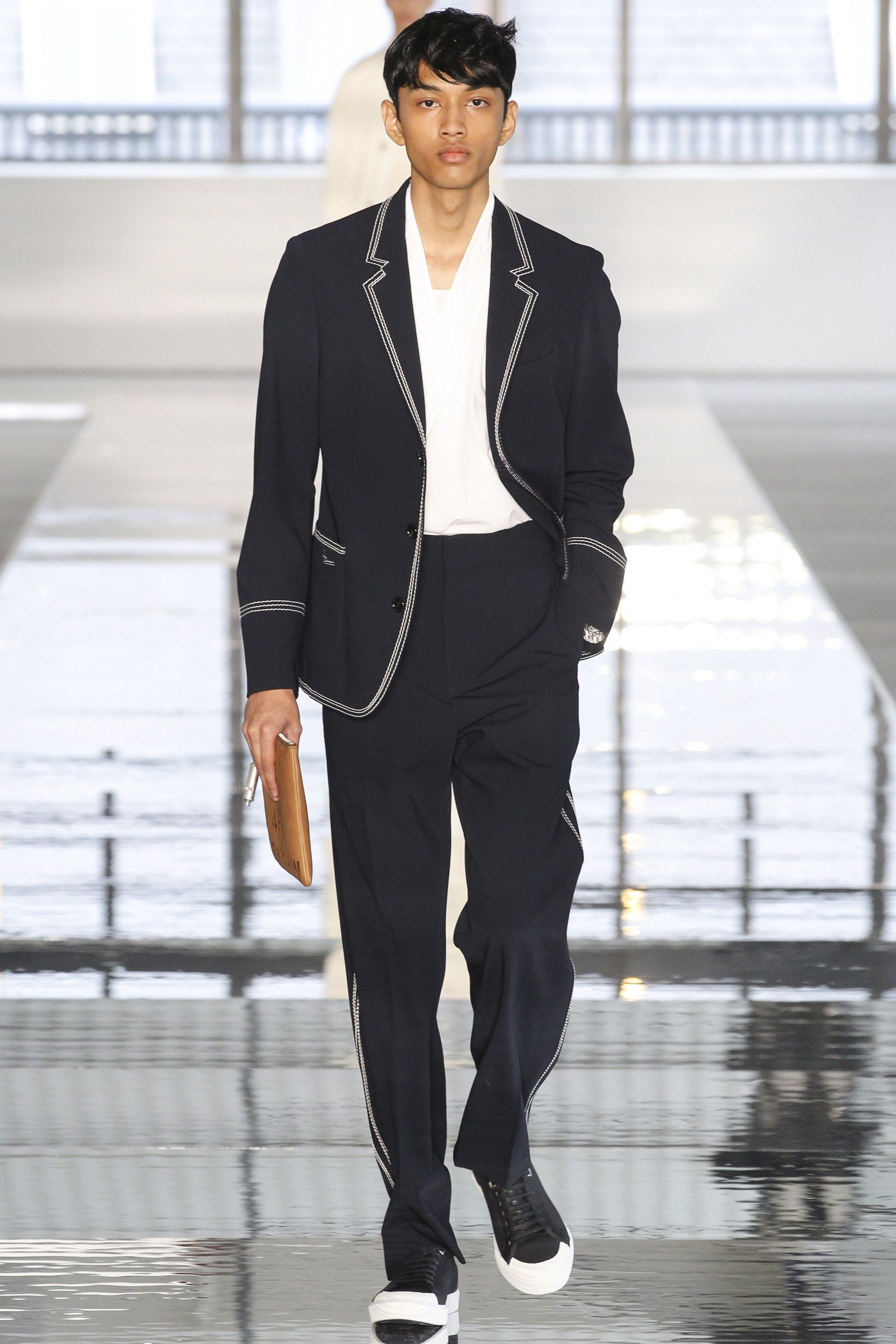 c86283df43a6 Boss Spring 2018 Menswear Collection Photos - Vogue