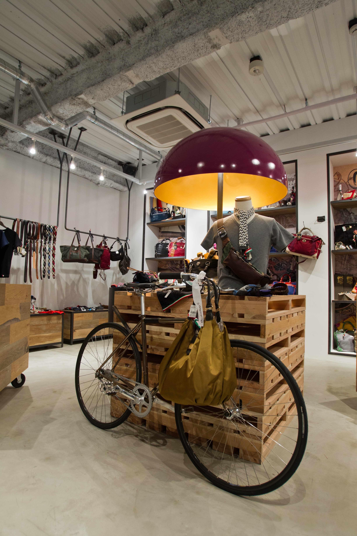 Inside the Kaffè Orobianco 1F Design Bazar Shop Bazares