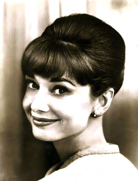 Audrey Hepburn Frisur Audrey Hepburn Vintage Hochzeit Frisuren Frisur Hochzeit