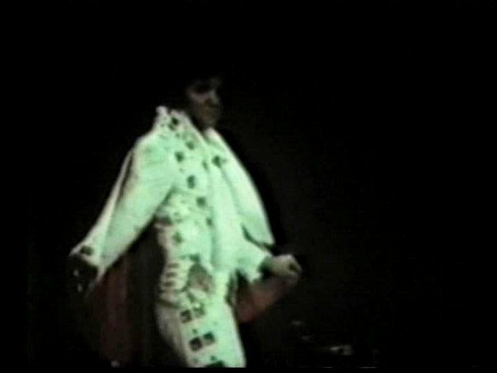 Elvis in concert at the Madison Square Garden in june 1972