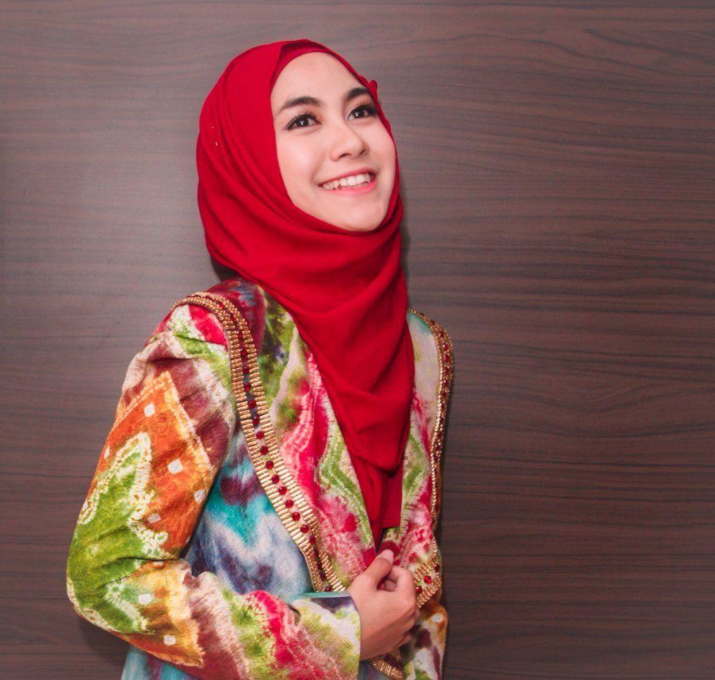 Anisa Rahma Beri Tips Untuk Para Hijaber Bermotor Bandung Puns