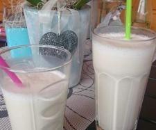 Rezept Vanille Milch Shake - fast wie bei Mc Donalds von Thermimaus - Rezept der Kategorie Getränke