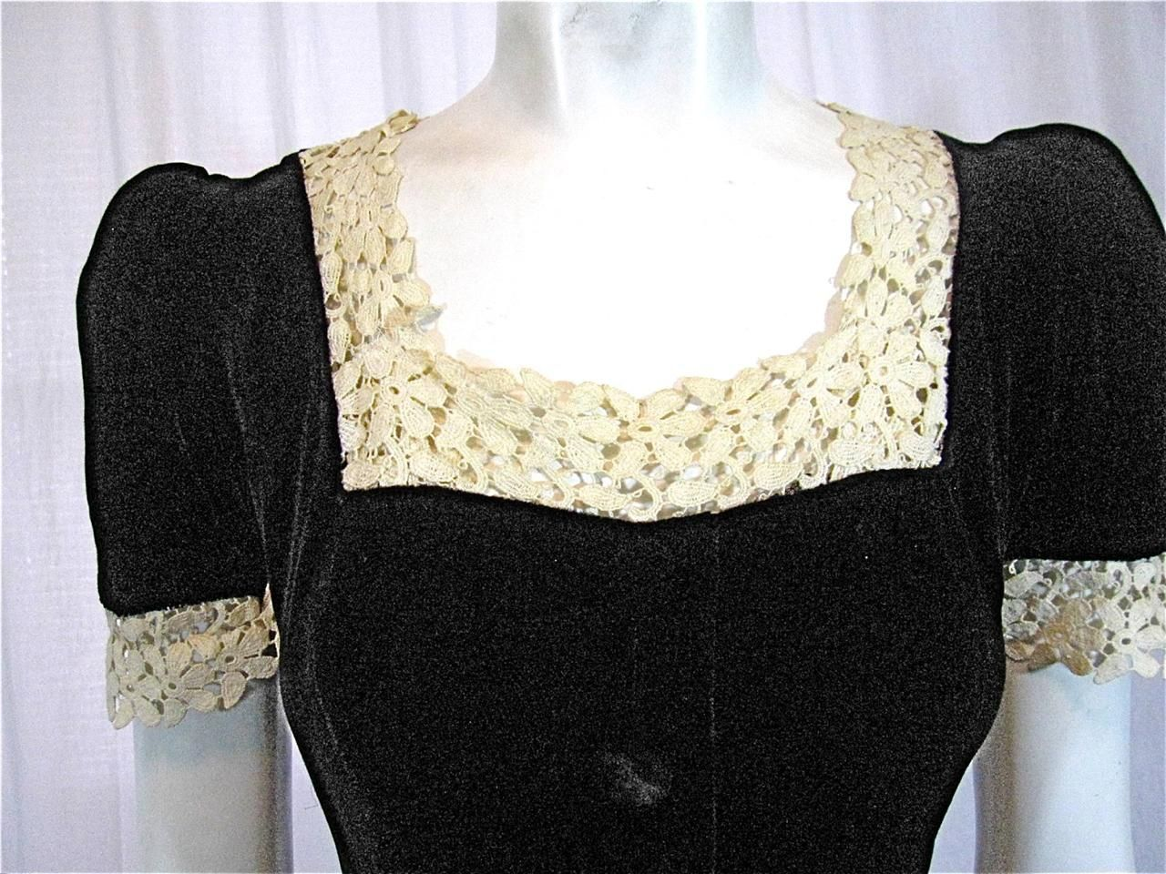 Vintage ss art deco bias cut black liquid silk velvet u cream