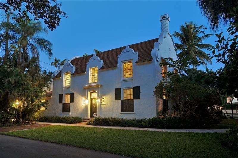 Historic Dutch South African Coral Gables House Is 2 175m Coral Gables Houses Cape Dutch Dutch Colonial