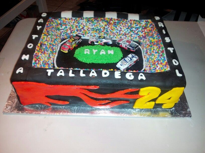 nascar themed cakes nascar cake deegee cakes pinterest nascar cake cake and