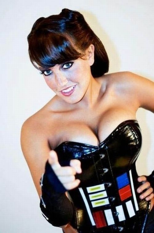 Girl shows boobs to r2d2