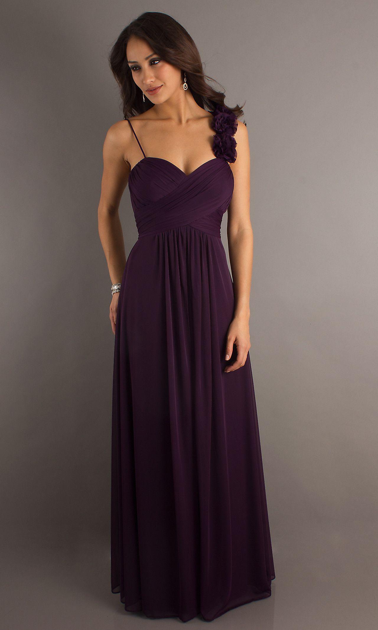 Long plum formal dress.   Wedding Idea\'s   Pinterest   Festliche ...