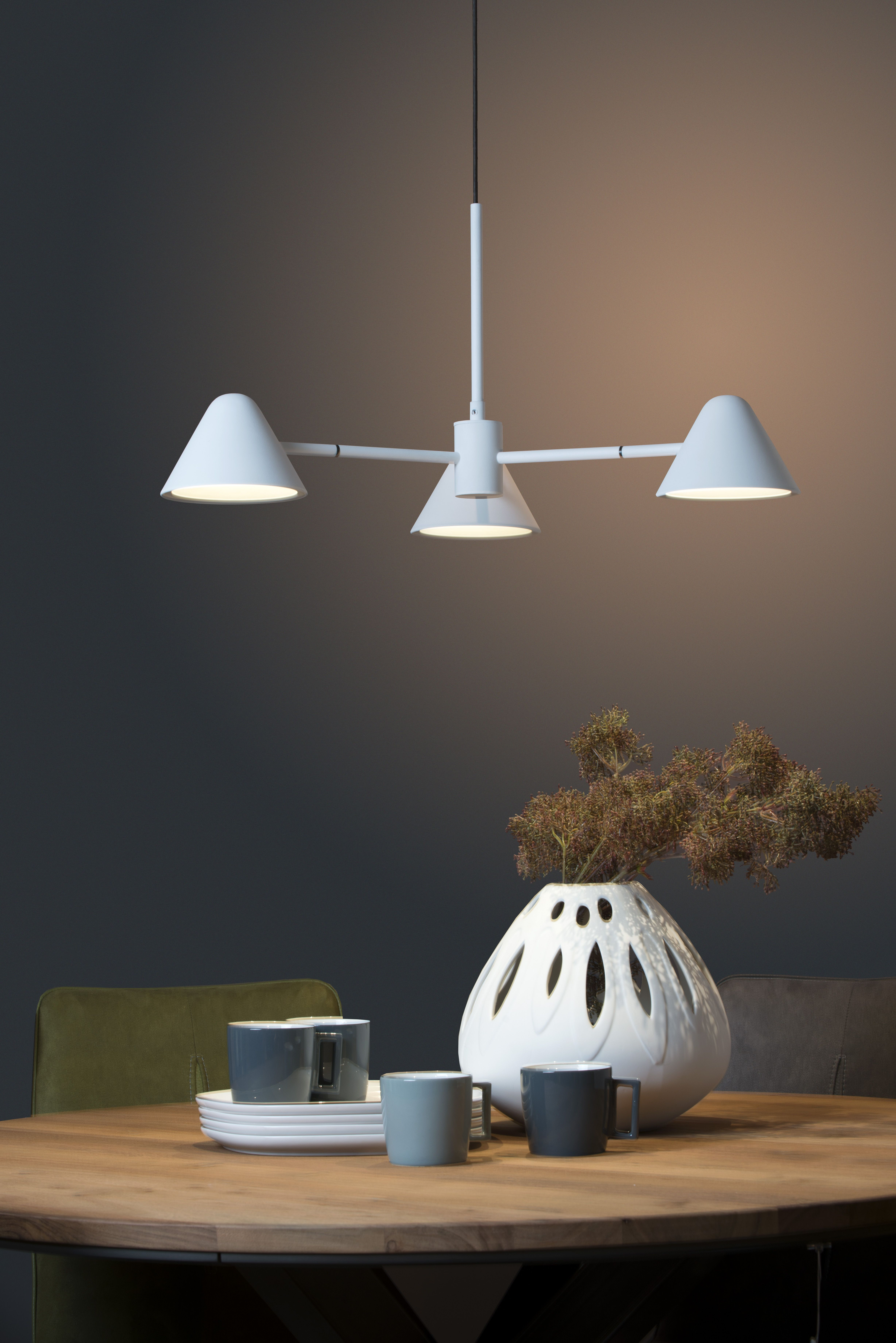 This Pendant Lamp Called Devon Is A Modern Triangular Shape Times - Kinderlamp Verlichting