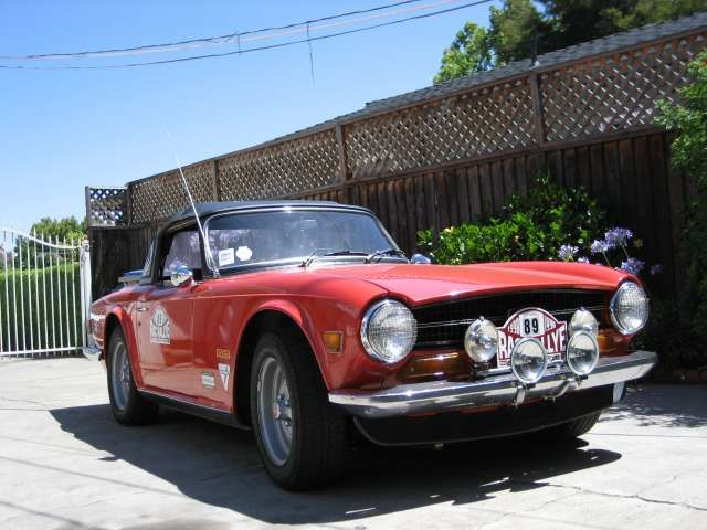 Love the driving lights on this TR6   Tr6   Antique cars