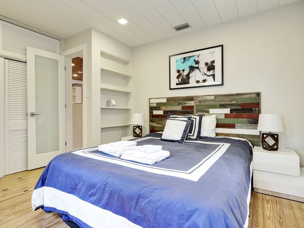 Bungalow 8! HomeAway Bungalow, Wilton manors, Home