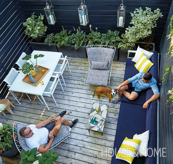 Design Small Outdoor Patio: Small Space: A 225-Square-Foot Backyard In 2019