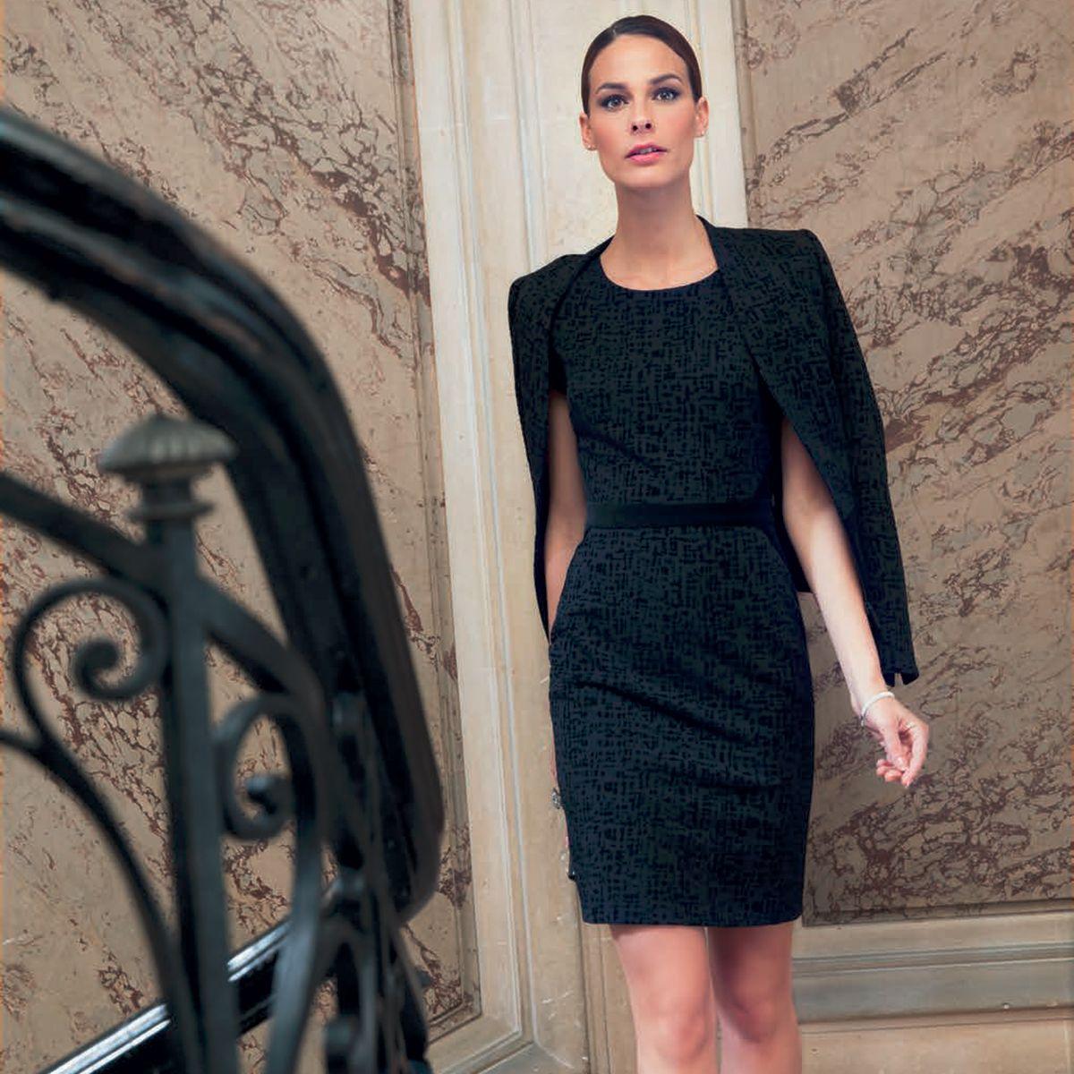 robe droite velours d vor noir un jour ailleurs automne hiver 2014 pinterest robe. Black Bedroom Furniture Sets. Home Design Ideas
