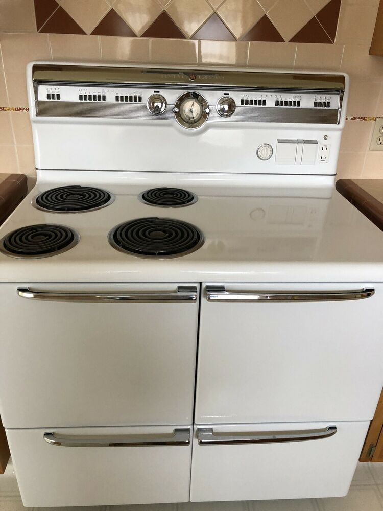 Vintage 50s General Electric Stove 1952