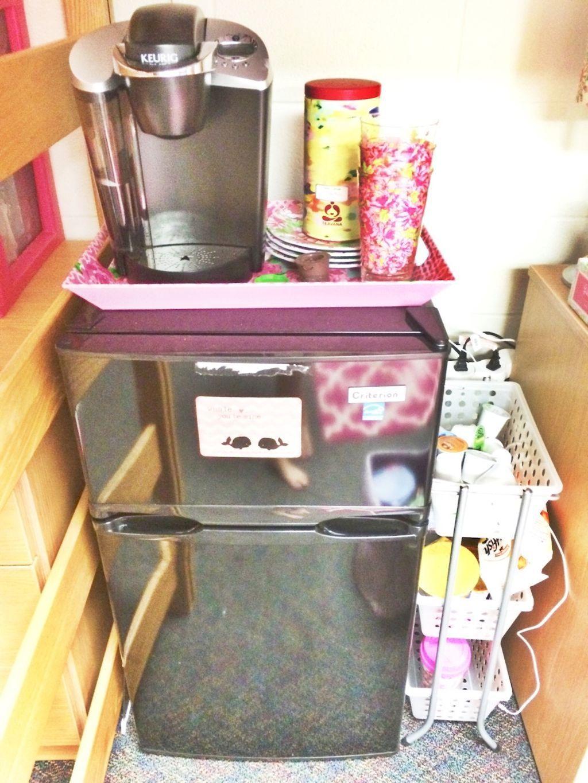 Genius dorm room organization ideas (13