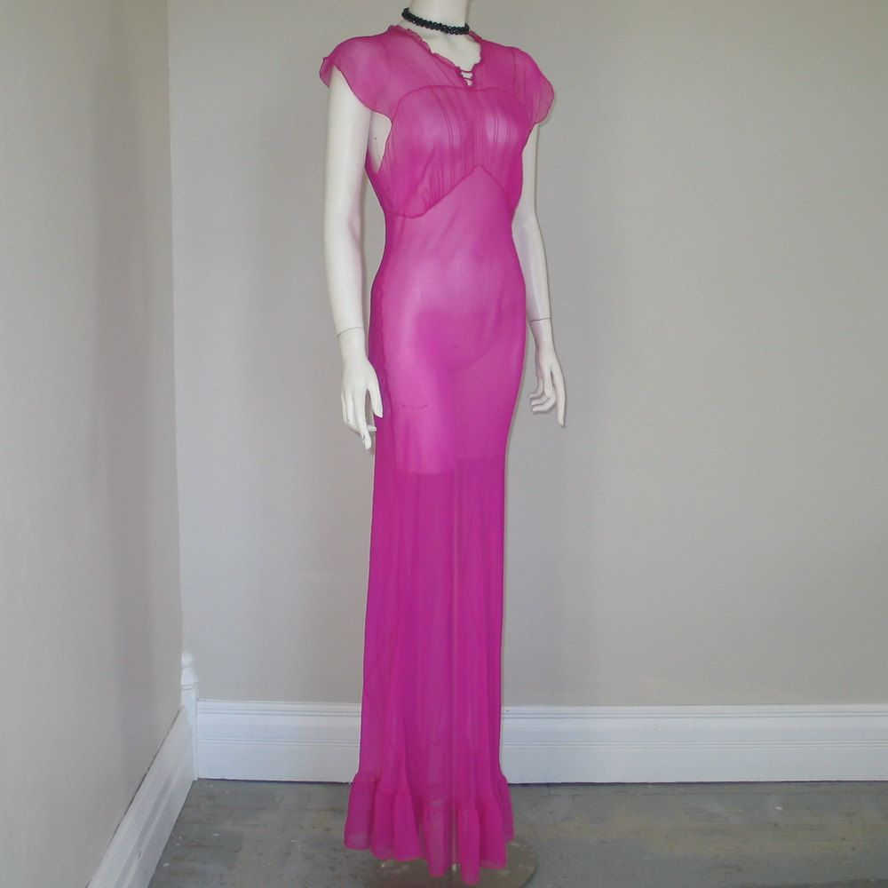 Vintage 1940s shocking pink lounging gown by Saks-Fifth Avenue ...