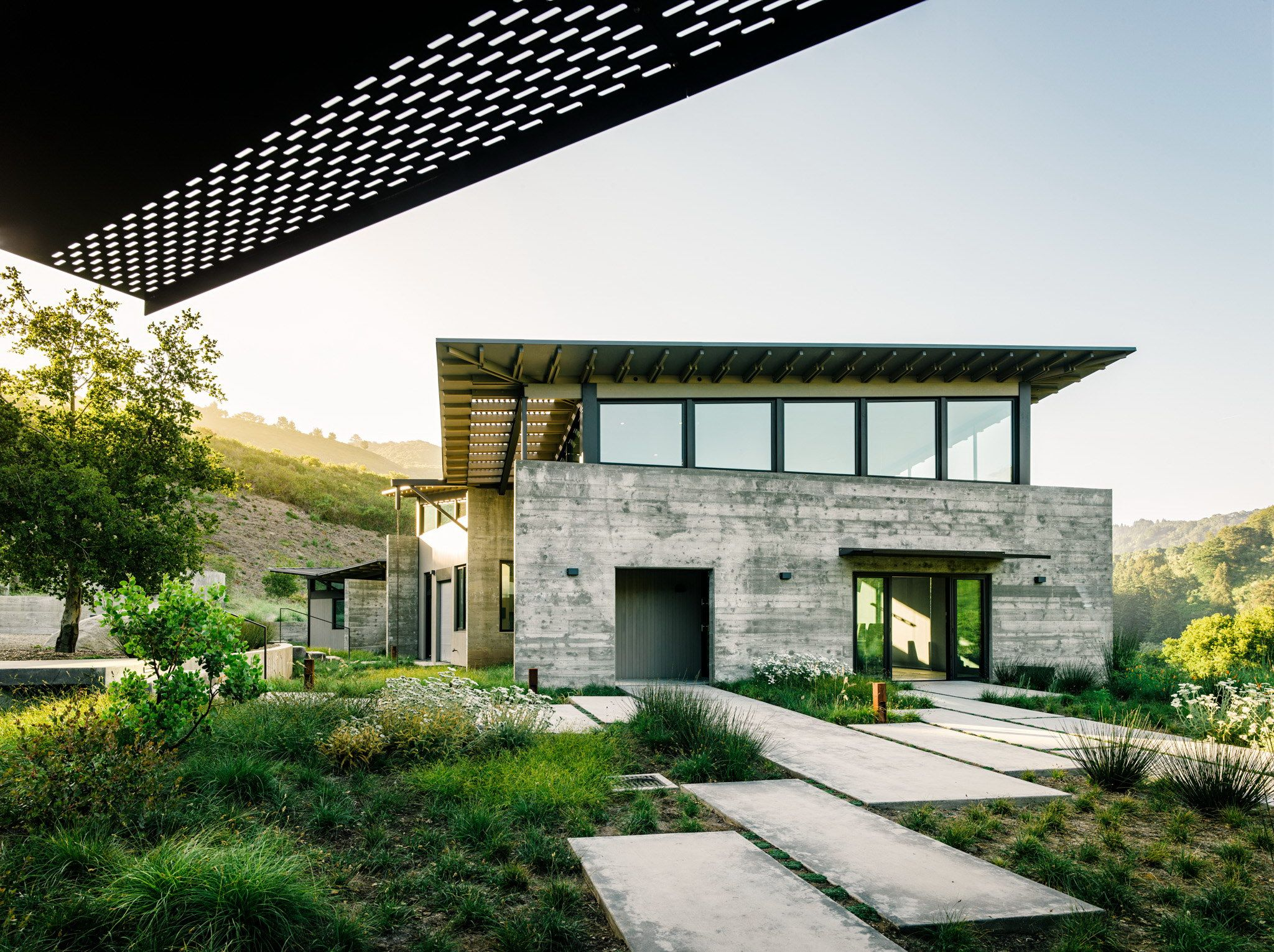 Butterfly House By Feldman Architecture Wowow Home Magazine Butterfly Roof Butterfly House Rural Architecture