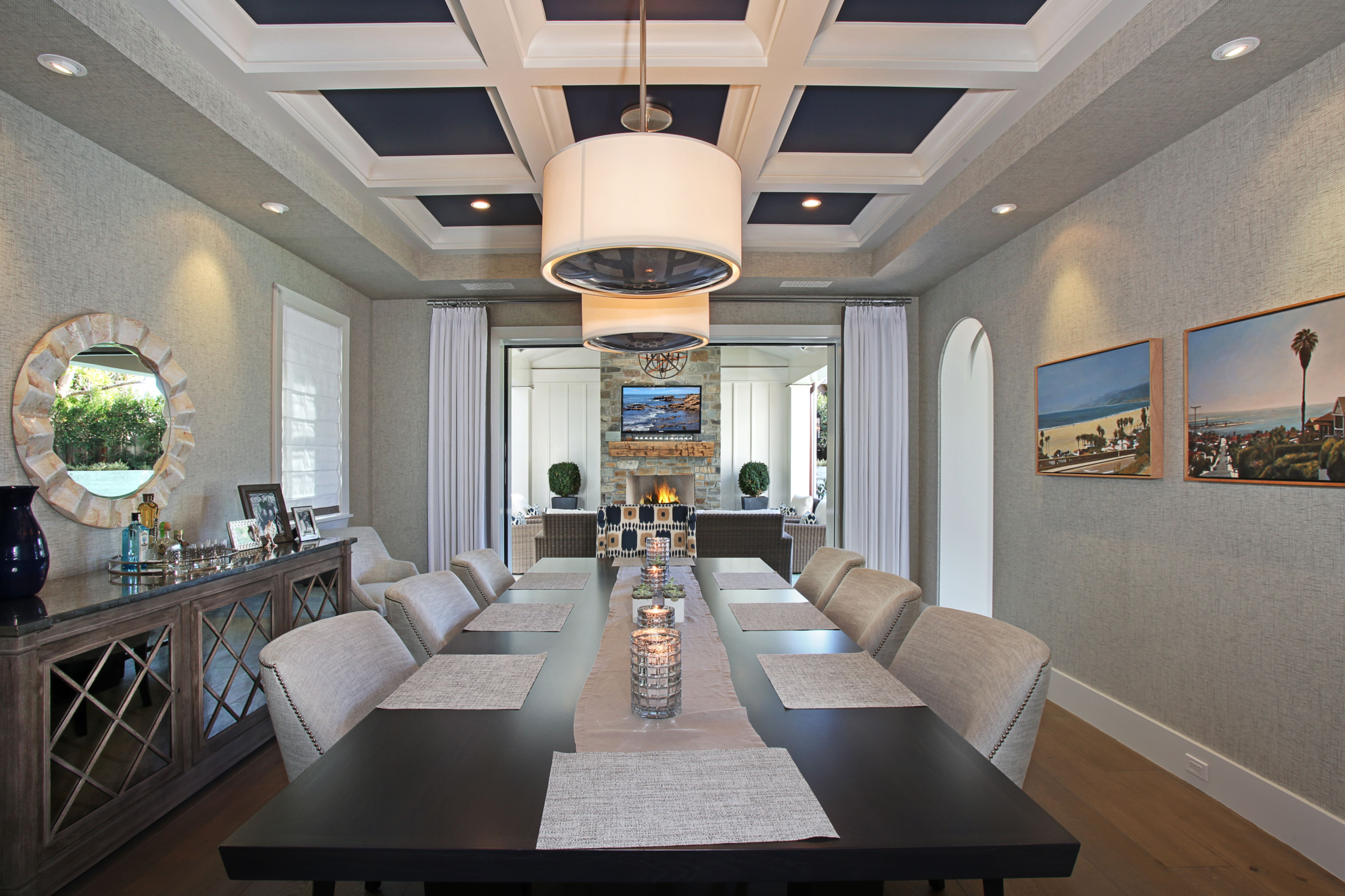 The Blue And White Coffered Ceiling In This Dining Room Really Unique Coffered Ceiling Dining Room Design Inspiration