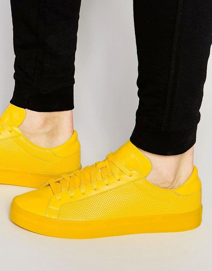 adidas Originals Court Vantage adicolor Sneakers In Yellow S80254