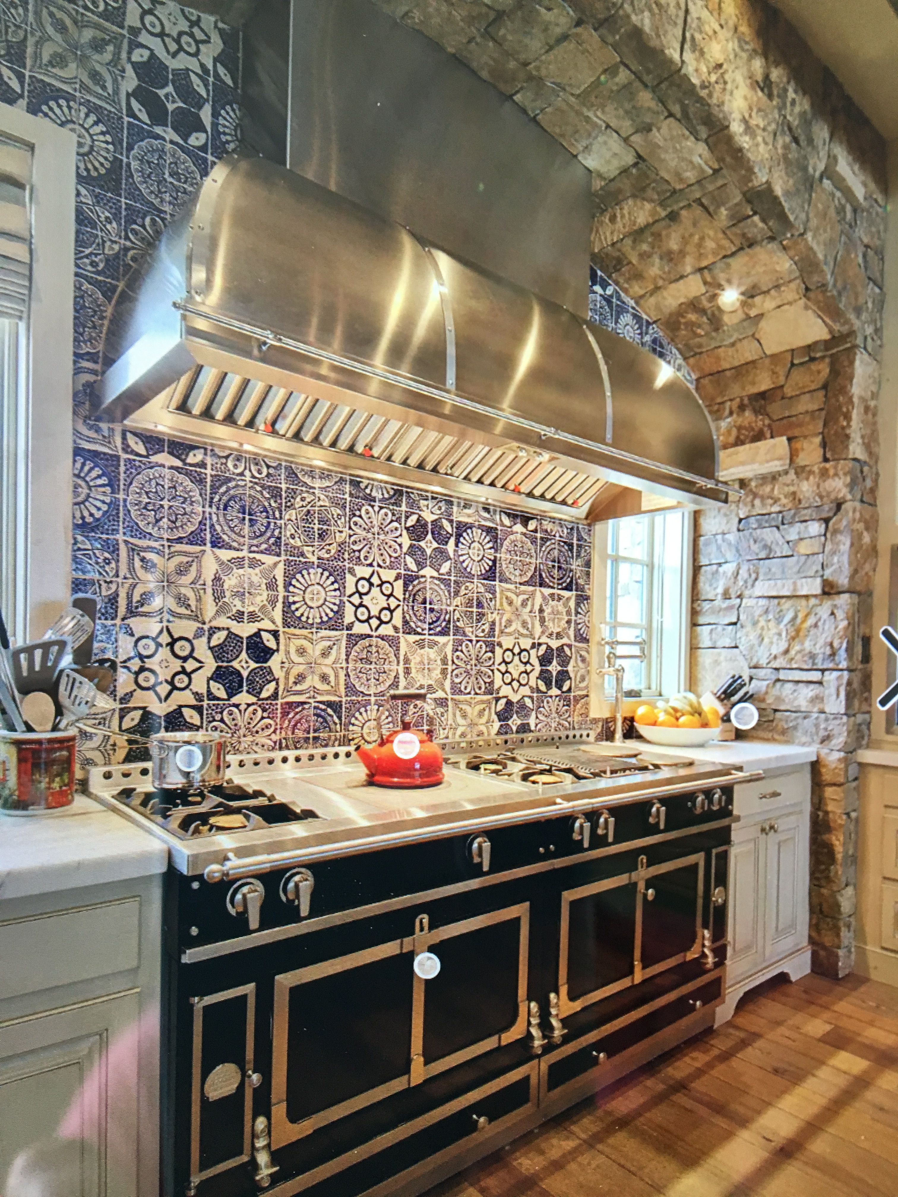 Pin By Lisa On Our Kitchen Renovation Country Kitchen Designs
