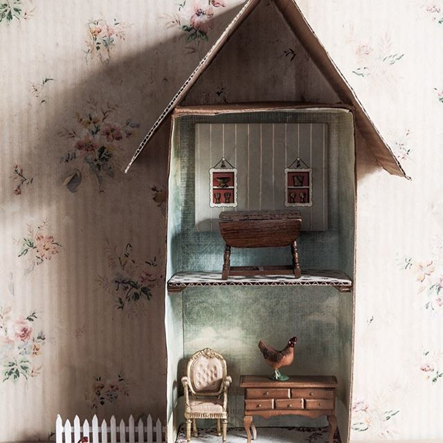 handmade doll houses from the latest @countrystylemag craft book