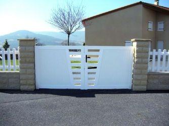 Portail battant PVC Vial Menuiserie 1m30 (419€) Portillon 1m30 (199 ...